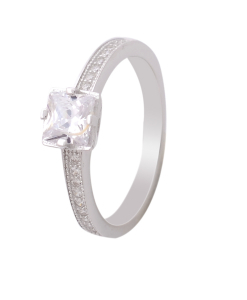 CZ Beautiful Solitaire Engagement Ring